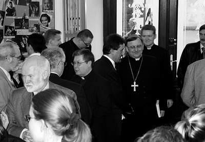 Uczestnicy uroczystości w foyer Teatru im. Juliusza Osterwy. Fot. J. Kutnik