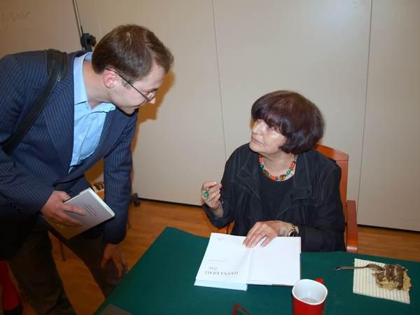 Hanna Krall w rozmowie z czytelnikami. Fot. Marek Obara