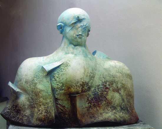 """Adam Myjak: z cyklu """"Nadzieja"""", stiuk polichromowany, 2000r."""