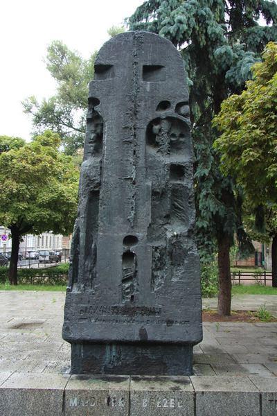 pomnik3