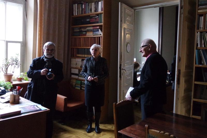Vladas Braziunas, Birute Jonuskaite, Waldemar Michalski - w siedzibie Związku Pisarzy Litwy. Fot. Anna Goławska