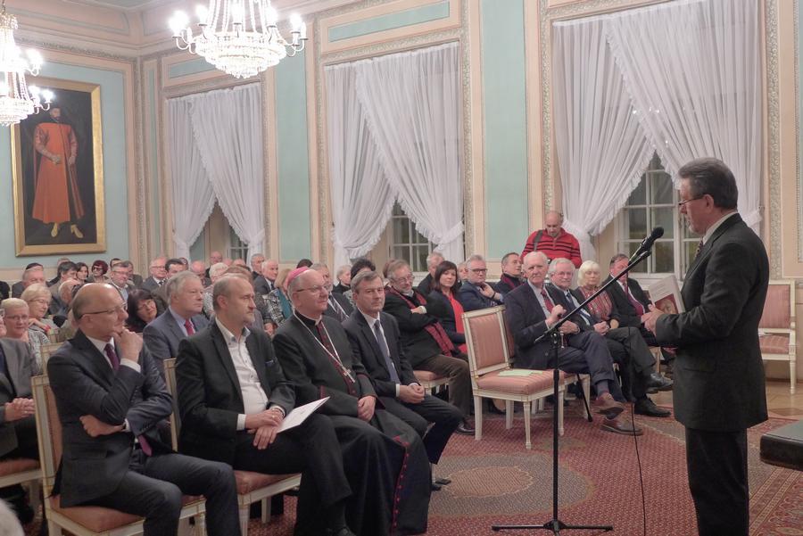 1. Bogusław Wróblewski wita zgromadzonych