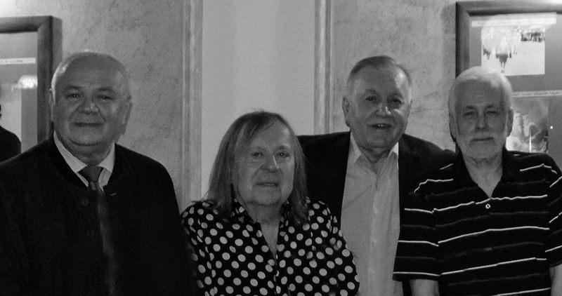 Maj 2019 roku, kawiarnia Chmielewski w Lublinie, 50. rocznica matury. Od lewej: Zbigniew Ziętkowski, Romuald Lipko, Mieczysław Janicki, Stanisław Dziesiński.