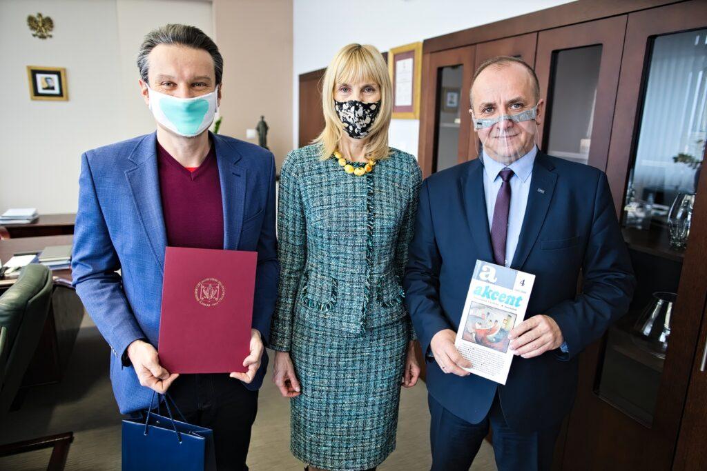 red. Jarosław Wach, prof. Iwona Hofman i JM prof. Radosław Dobrowolski, Rektor UMCS.jpg