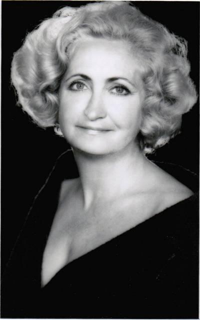 Irena Habrowska, jako aktorka Teatru Wojska Polskiego, lata 40. Fot. Zofia Nasierowska.
